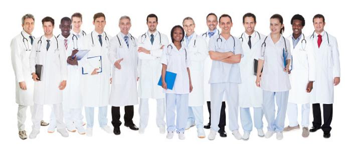 groupe de médecins symbolisant la FMC