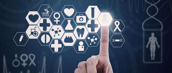 Main pointant diverses icônes médicales représentant les Infosanté