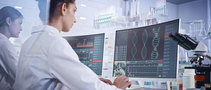 Scientifiques qui étudient mutation ADN