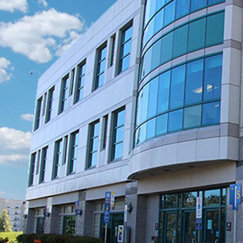 le bâtiment où se trouve le bureau des affaires internationales et de la santé mondiale de la Faculté de Médecine