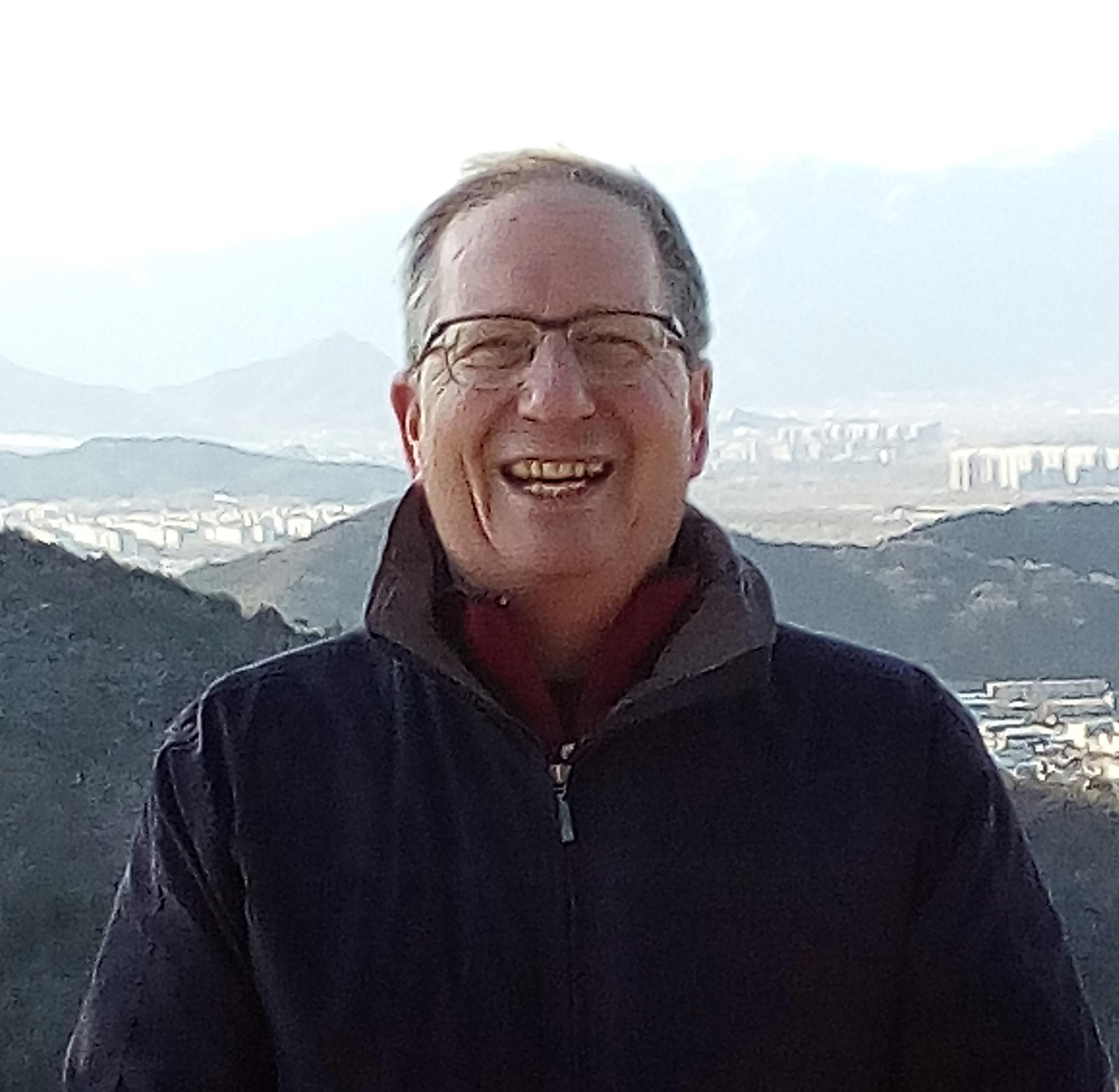 Dr Max Hincke
