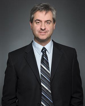 Dr. Franco Momoli