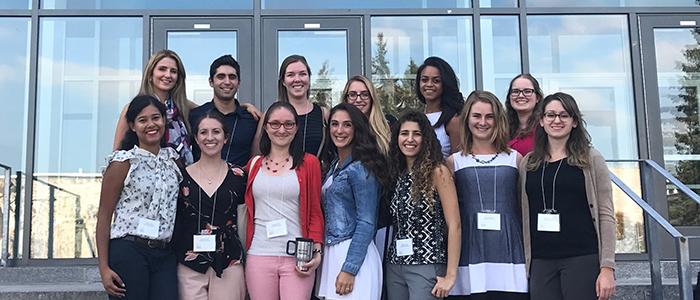 Treize étudiants de deuxième année en médecine provenant de notre volet francophone ont assisté au Symposium étudiant sur la médecine familiale de l'Université Laval