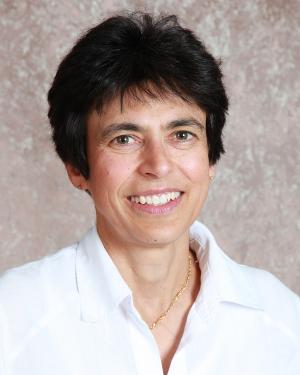 Dr. Yasmine Ayroud