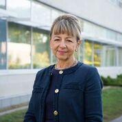 Dr. Anna Byszewski