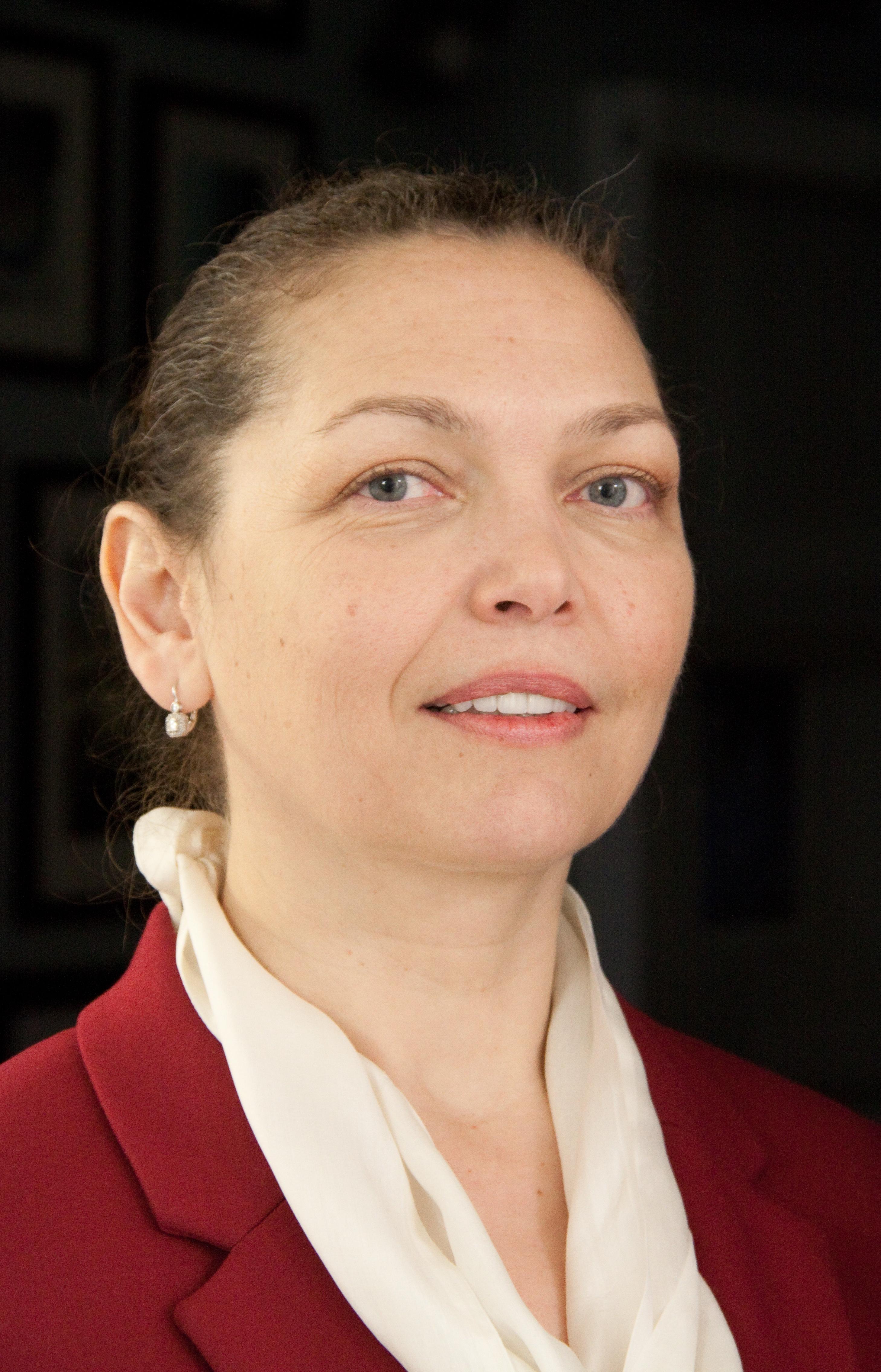 Dr. Carmen Rotaru