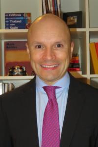 Dr Carlos Torres