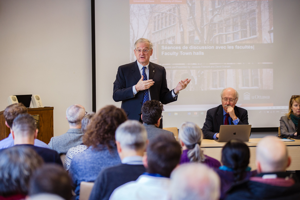 President Jacques Frémont leads an open dialogue and delivers a brief update on university matters at a recent town hall at the University of Ottawa.