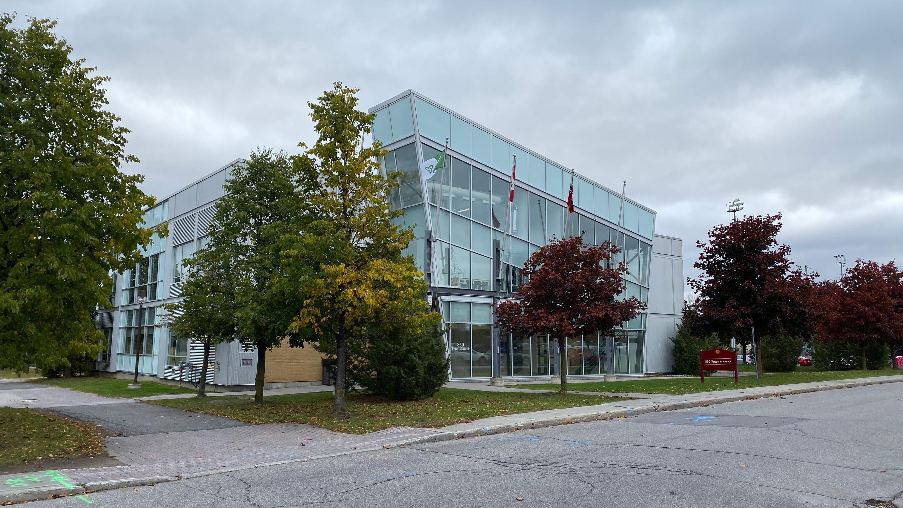 Building - 850 Peter Morand