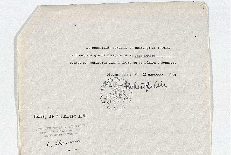 A signed letter awarding Dr. Ettori the Chevalier de la Legion d'Honneur