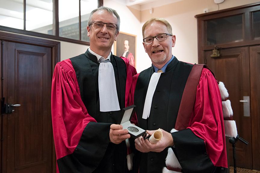 Dr. Bernard Jasmin poses with Frédéric Fleury.