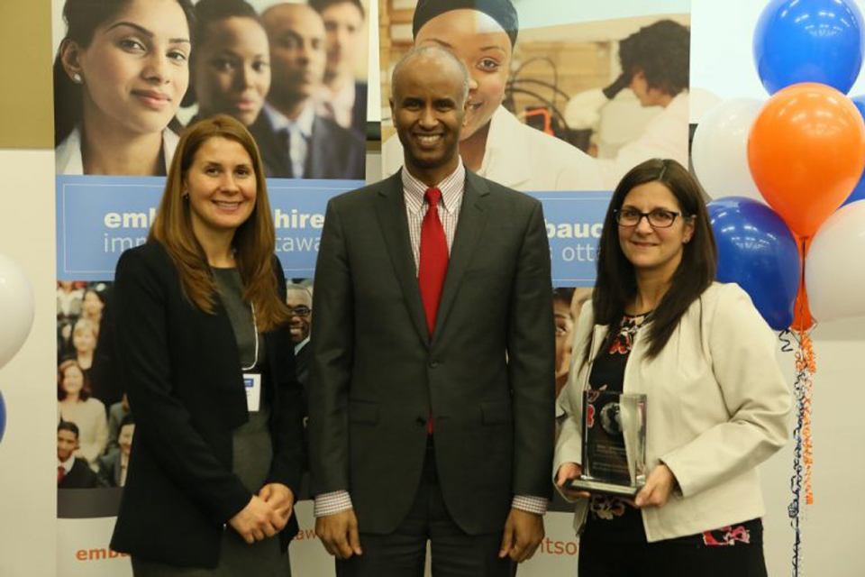 The Ottawa Hospital receives a 2017 Employer of Excellence Award from Hire Immigrants Ottawa.