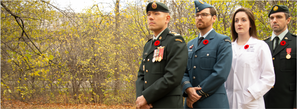 Photo de Capitaine Victor Pak, Capitaine Nicolas Ouellet, Sous-lieutenant Courtney Guy et Capitaine Vincent Laframboise.