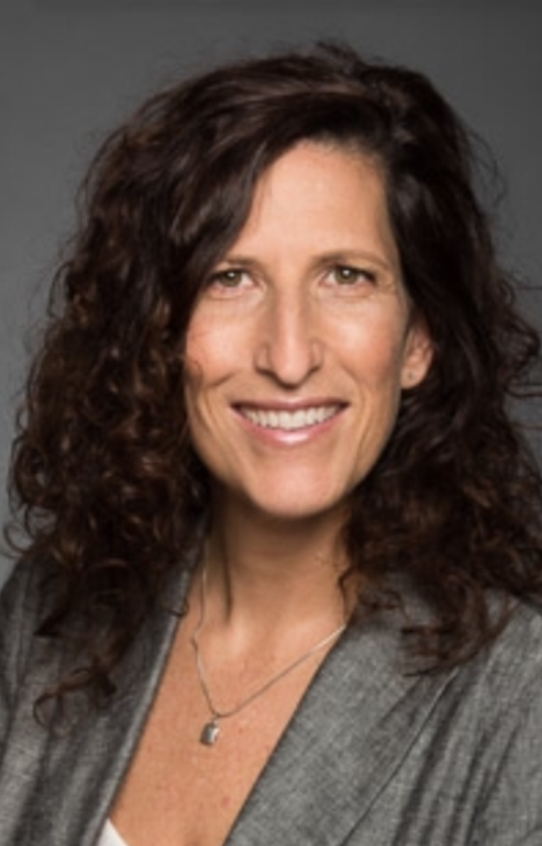 Photo of Dr. Heather MacLean