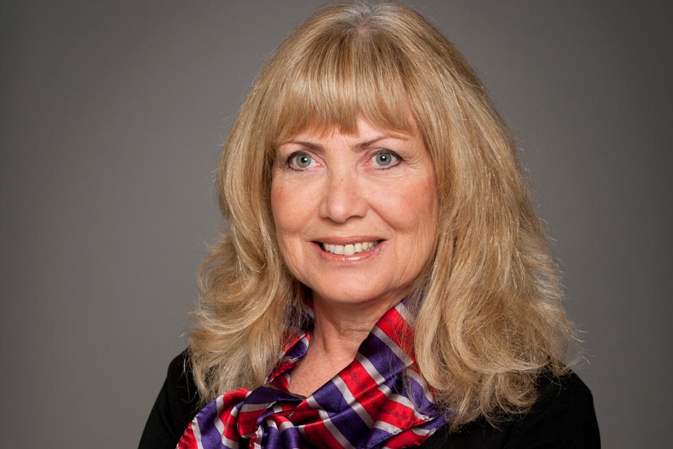 Dr Ruth Slack
