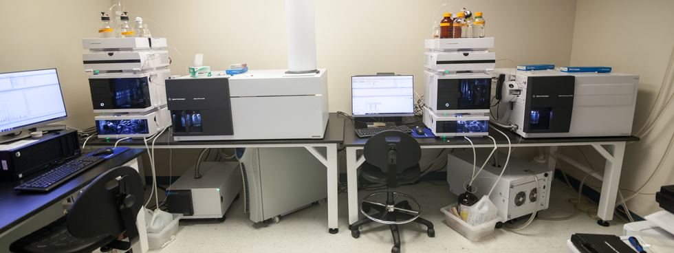 Photo of the equipment of the uOttawa Metabolomics Core Facility