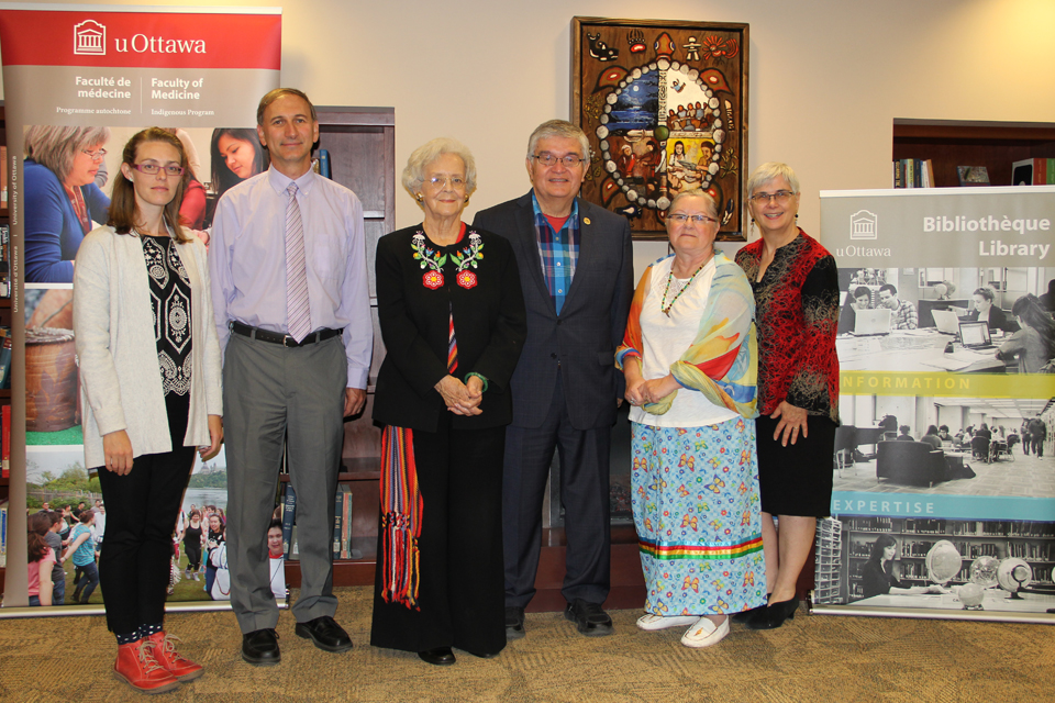 Group photo of representatives from uOttawa Library, the Faculty of Medicine's MD Indigenous Program and the National Aboriginal Health Organization (NAHO).